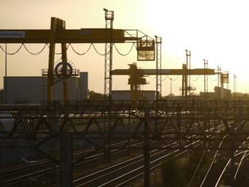 RailwayClutterS.jpg