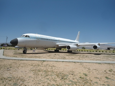 Mojave Convair 990A gate guardian